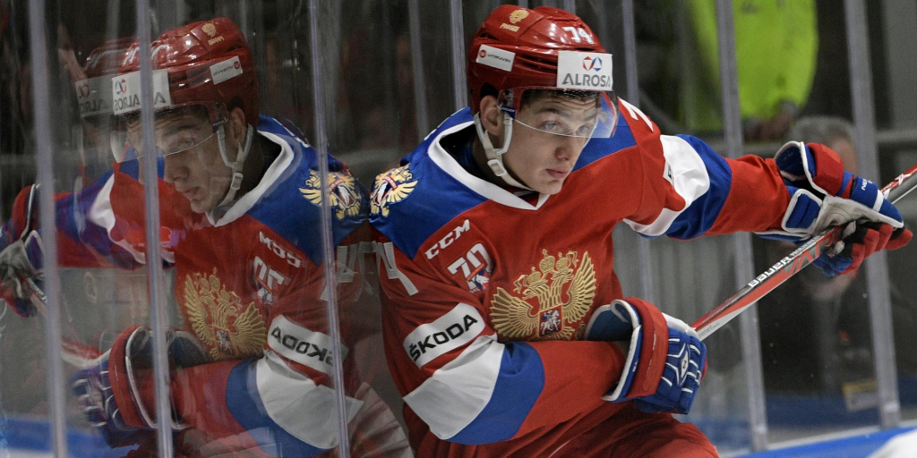 Сборная России забрасывает четыре шайбы чехам