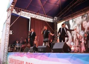 В Екатеринбурге День города отметили добрыми делами