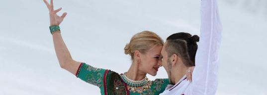 «Ее на руки берут, а она не понимает, как туда правильно забраться». Истории трех лучших российских пар