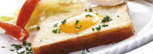 Чем опасен сытный завтрак?