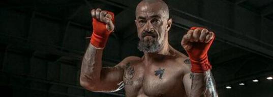 «Мне запретили качаться строго-настрого». Сергей Бадюк и его первый бой в профи