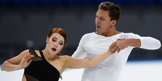 «Только придумала, как буду жить без фигурного катания, а нам сказали возвращаться». История лучшей танцевальной пары России