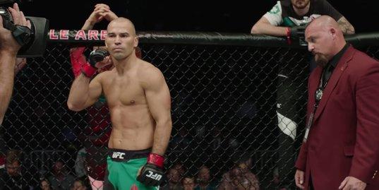 Артем Лобов дерется в главном бою UFC. Почему за него не болеют в России?