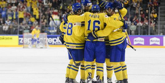 Швеция разбирается с финнами и выходит на Канаду