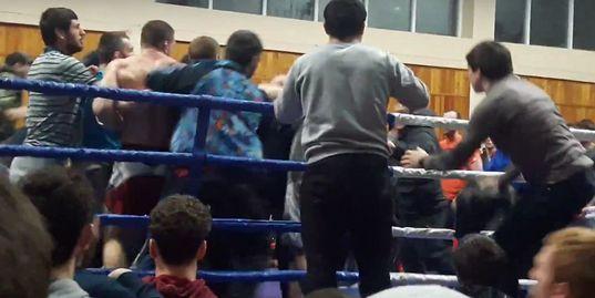 Массовая драка на чемпионате Дагестана по ММА