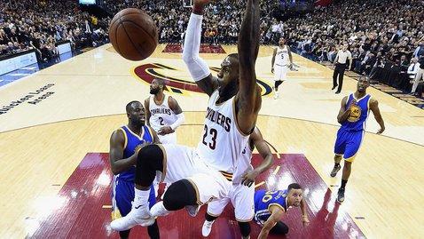 «Кливленд» в третий раз подряд вышел в финал плей-офф НБА