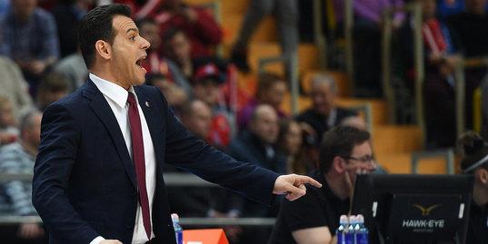 «Мы сражаемся для чего? Что нужно, чтобы вы пришли на баскетбол?» Тренер ЦСКА против болельщиков