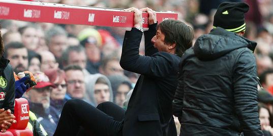 Виллиан забивает супергол, Конте ломает скамейку запасных: лучшие моменты матча «Сток Сити» — «Челси»