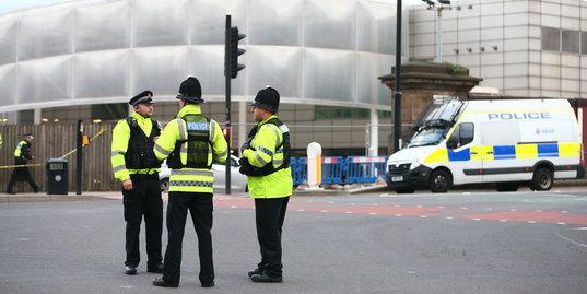 «Сейчас мы всем сердцем с пострадавшими». Футбольные соцсети – о теракте в Манчестере