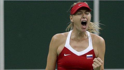 Шарапова победила Винчи в первом матче после возвращения на корт