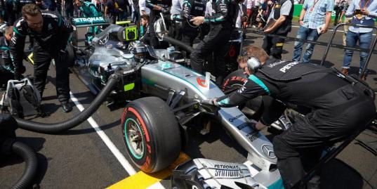 Абу-Даби предвкушает главную гонку сезона «Формулы-1»