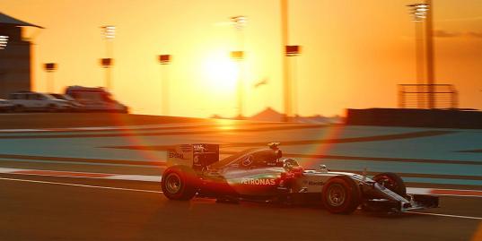 14 кадров, которые убедят вас посмотреть финальную гонку «Формулы-1»