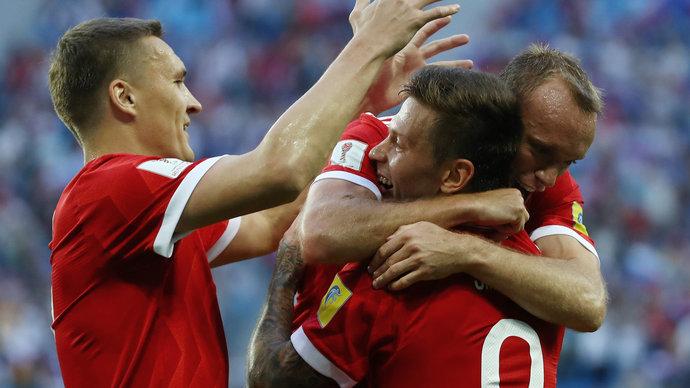 Бухаров и Смолов в атаке сборной России на матч с Мексикой