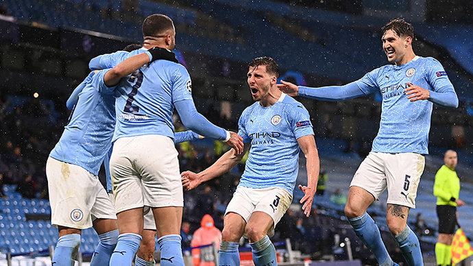 Правило пяти замен в футболе продлили до конца 2022 года