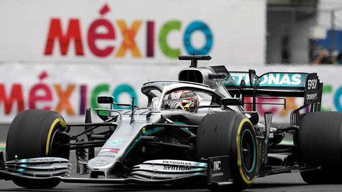 Хэмилтон выиграл Гран-при Мексики, Квят из-за штрафа не попал в очки