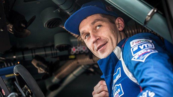 Сотников впервые в карьере выиграл Дакар в зачете грузовиков