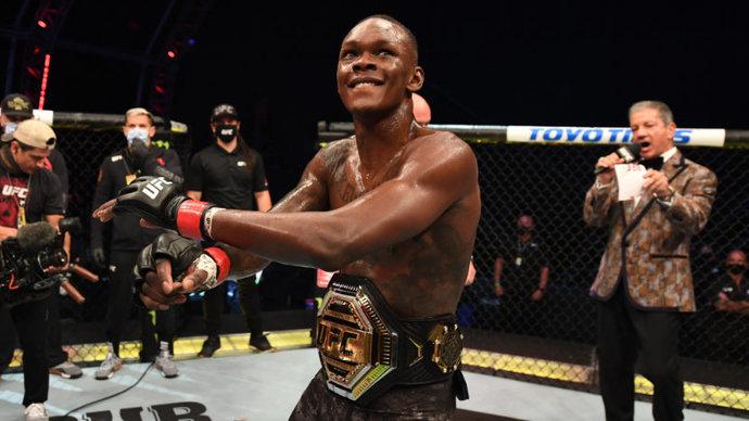 Адесанья победил Веттори и защитил титул чемпиона UFC в среднем весе