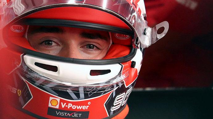 «Мне пришлось сбросить скорость». Леклер рассказал, из-за чего упустил лидерство в начале гонки в Баку