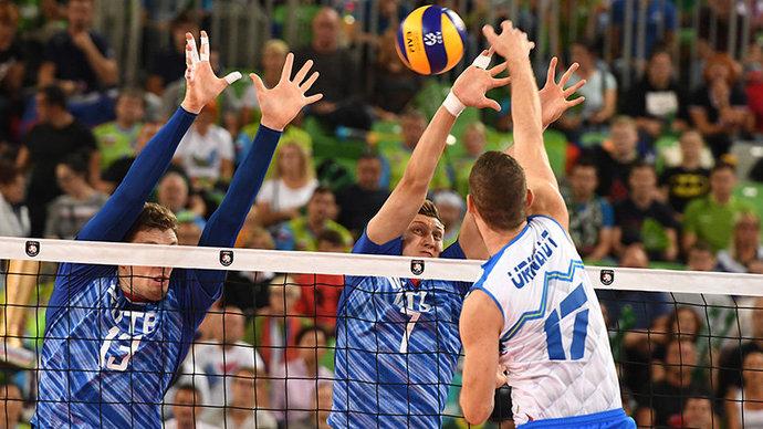 Российские волейболисты не смогли защитить титул чемпионов Европы, проиграв Словении в четвертьфинале