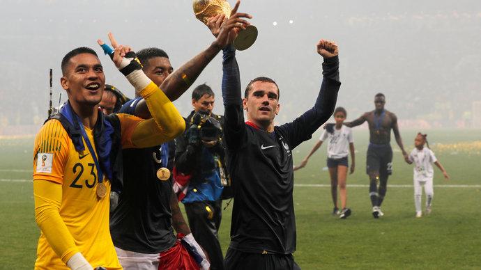 Вратарь сборной Франции установил рекорд национальной команды