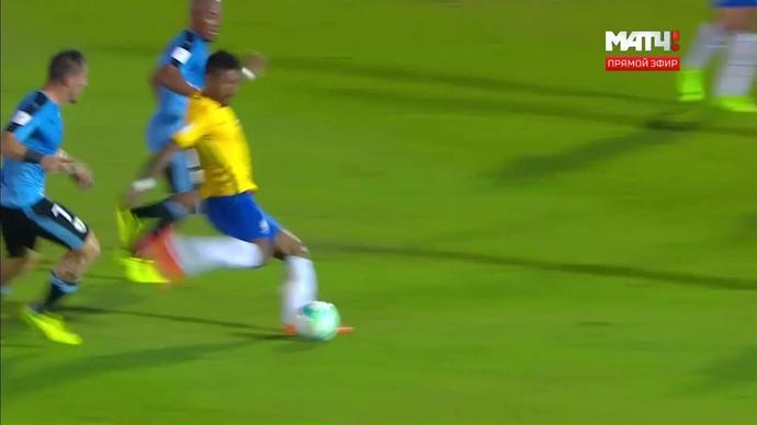 Уругвай - Бразилия. 1:1. Невероятный гол Паулинью с тридцати метров! (видео)