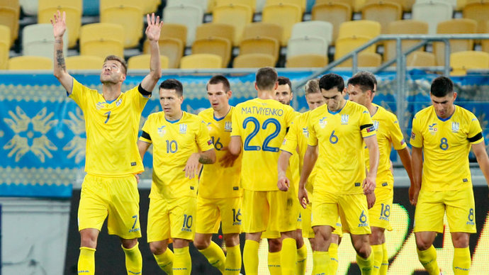 Украина уговаривает УЕФА оставить слоган Героям слава на форме