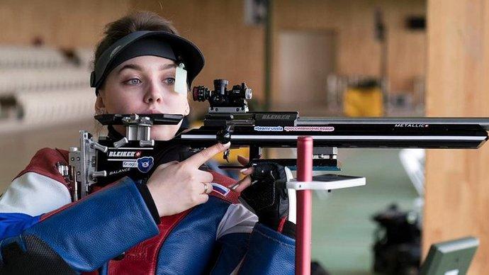 Галашина взяла серебро в стрельбе из пневматической винтовки. Это первая  медаль России на Олимпиаде в Токио