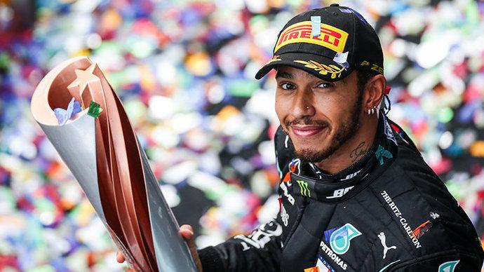 Отец Хэмилтона исключил уход гонщика из «Формулы-1»