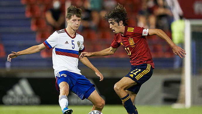 Молодежная сборная России крупно уступила Испании на старте отбора на Евро-2023