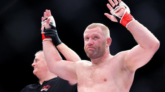 Сергей Харитонов проиграл нокаутом в главном бою Bellator 234