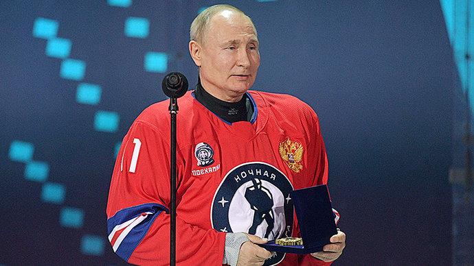 Восемь шайб Путина помогли команде Легенд Хоккея обыграть сборную Ночной хоккейной лиги
