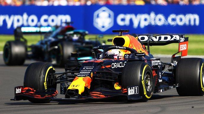 Врач «Формулы-1» — об аварии Ферстаппена и Хэмилтона: «Максу повезло. При таких перегрузках наиболее уязвим опорно-двигательный аппарат»