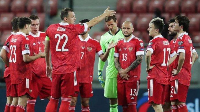 В сборной России перед вылетом в Австрию тренируются 26 футболистов