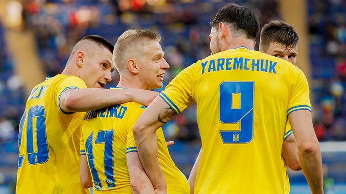 УЕФА опроверг сообщения о договоренности оставить фразу Героям слава на форме сборной Украины