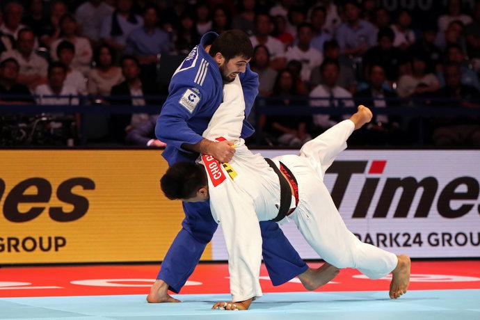Поединок вышел тяжелейшим для каждого из спортсменов. А завершился он драмой: заступ корейца, третье предупреждение и путевка в финал для дзюдоиста из России.