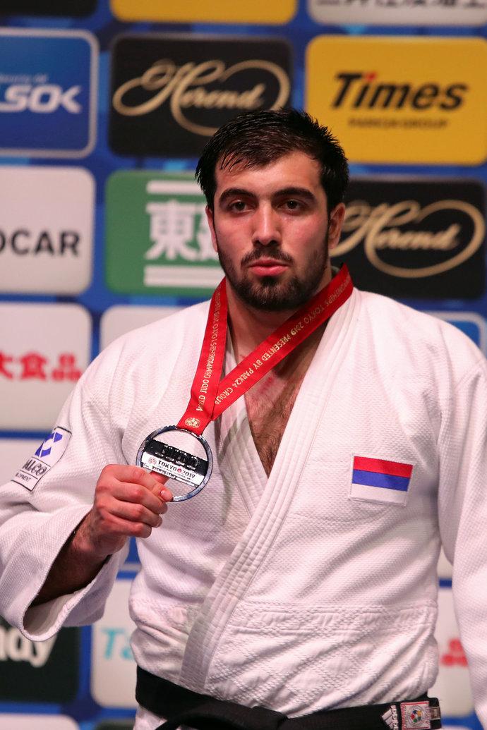 Нияз Ильясов