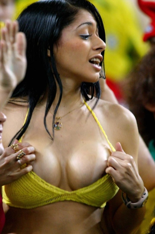 brazil-women-soccer-naked-legal-threesome-thick