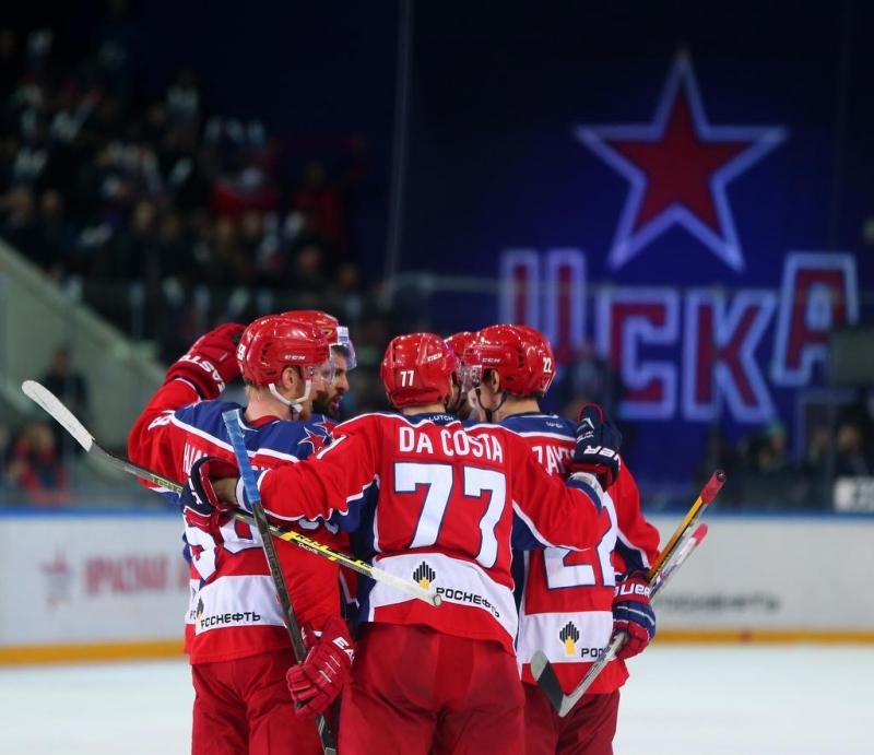 7 кадров с первой игры финала Кубка Гагарина