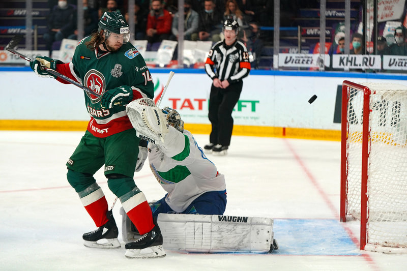 Лучший вратарь КХЛ ошибся на старте «Зеленой серии», а ЦСКА внезапно проиграл в Москве!