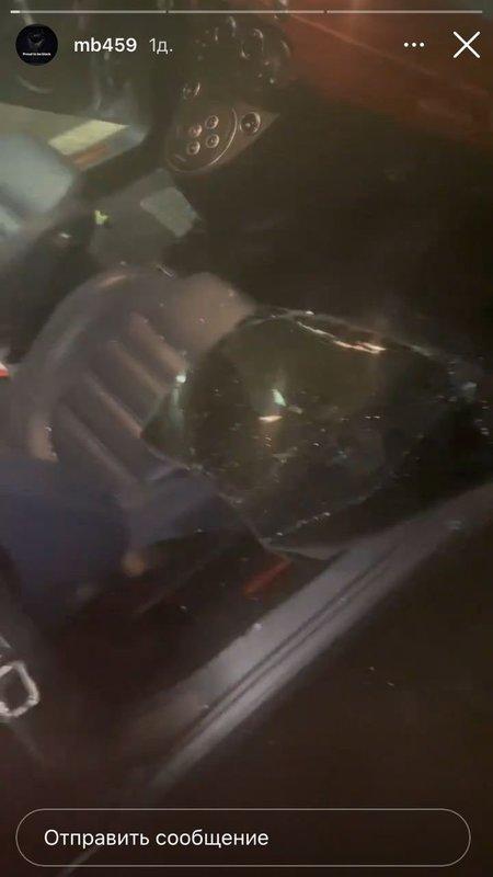 Балотелли призвал молиться вандалов, разбивших окно его автомобиля