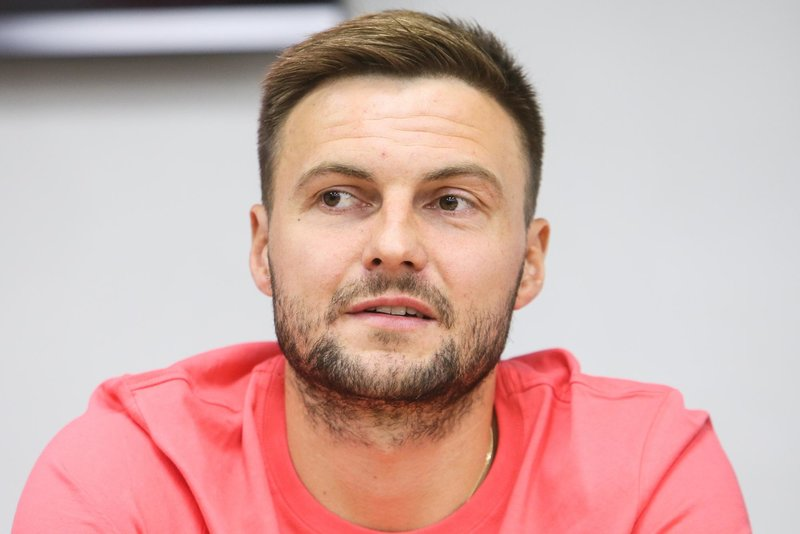 Владимир Гранат: «Планирую минимум еще года два в футбол поиграть»