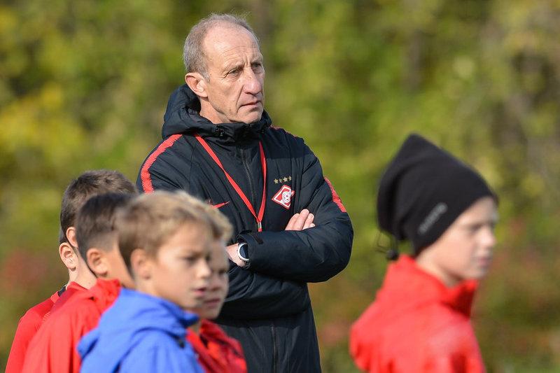 Экс-главный тренер академии «Спартака» - о причине ухода Миранчуков и том, как спас от отчисления Бакаева