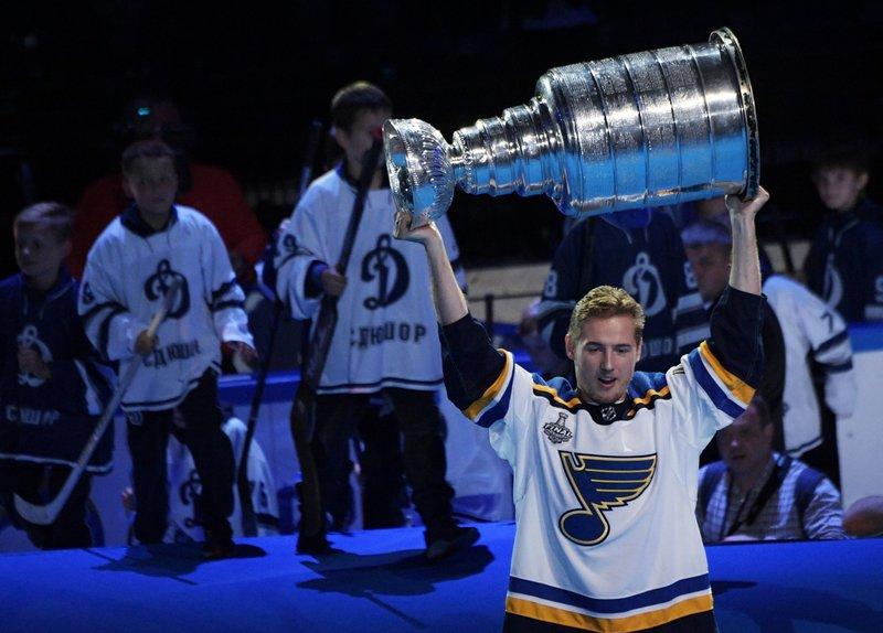 Еще один Барбашев держит курс на Северную Америку. Династии в НХЛ — быть?