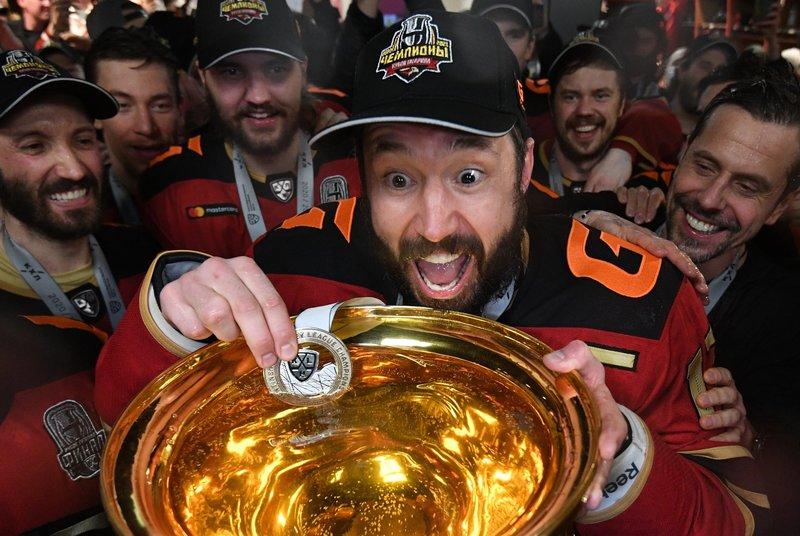 «Авангард» выиграл в финале три матча кряду, а КХЛ получила нового чемпиона