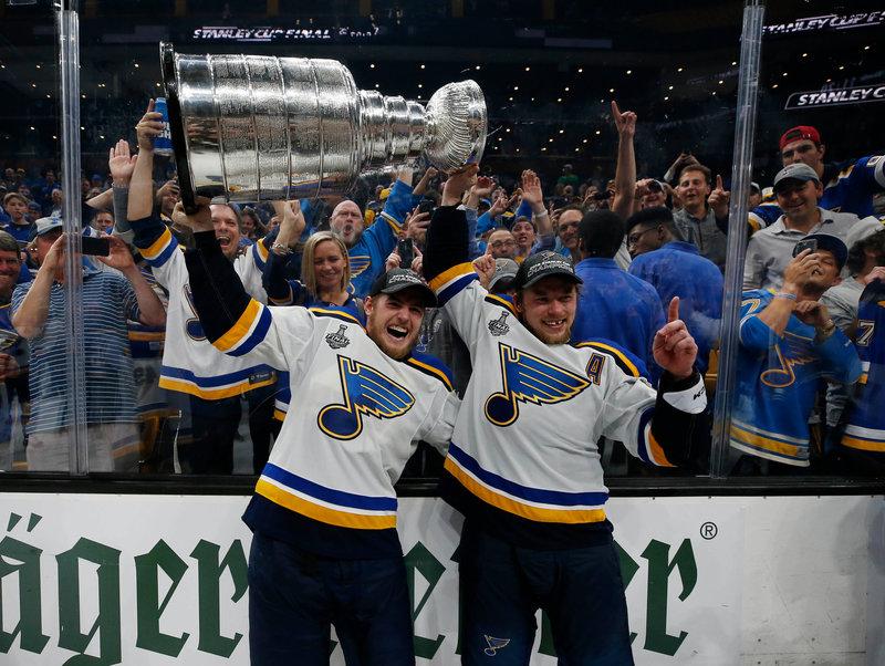 Овечкин пообещал Барбашеву отобрать унего Кубок Стэнли вновом сезоне НХЛ