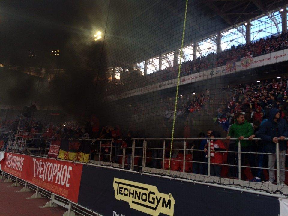 Фанаты «Спартака» скандируют нецензурные кричалки в адрес своих игроков