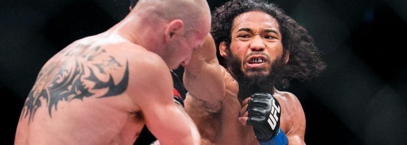 «Ему надо заплатить 200 тысяч долларов». Бывшего чемпиона UFC не хотят везти в Россию