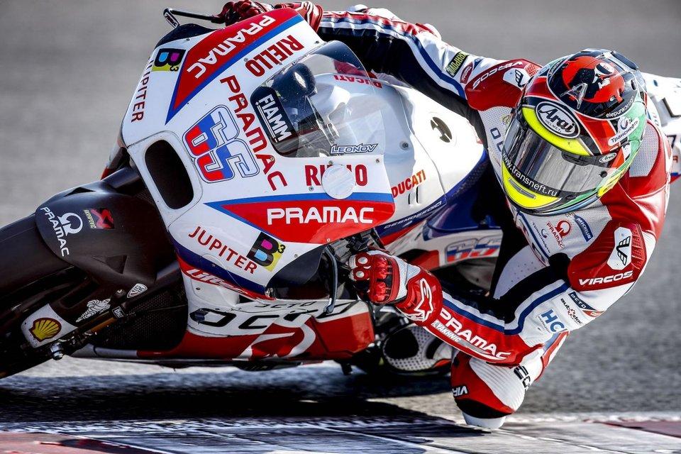 Российский пилот Владимир Леонов познакомился с мотоциклом чемпионата мира MotoGP