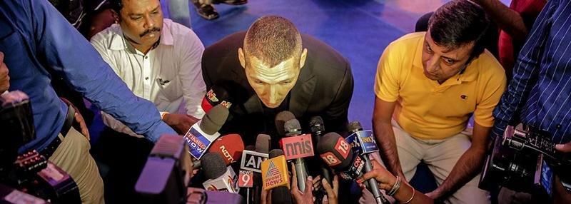 «Мы чувствуем, что над нами смеются». Самый скандальный футболист Италии тренирует в Индии