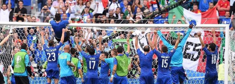 «В воротах у нас играет святой, который все отбил». Италия, которая снова удивила